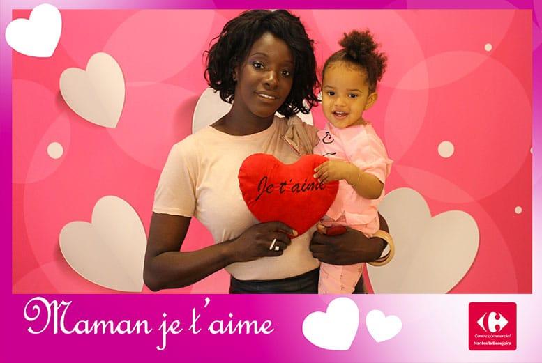Animation centre commercial Nantes Fête des mères avec une borne selfie