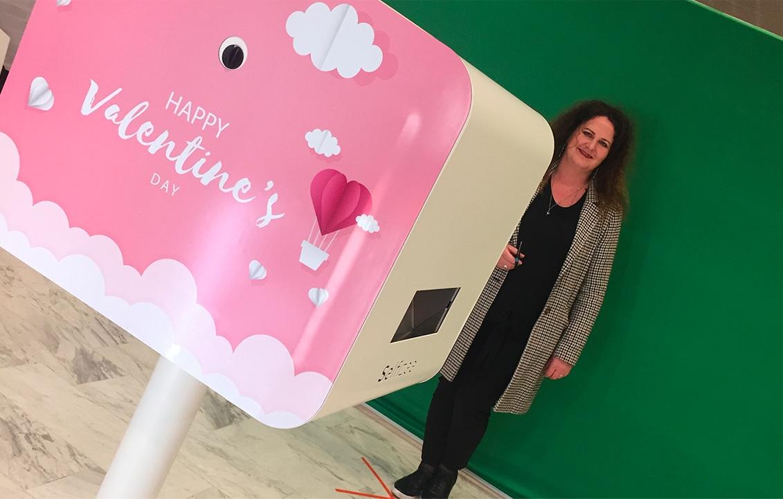 Animation selfie photo avec fond vert à Laval pour la Saint-Valentin Selfizee