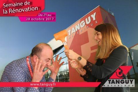 Photo fond vert borne photo selfie pour la semaine de la rénovation chez Tanguy Matériaux à Brest