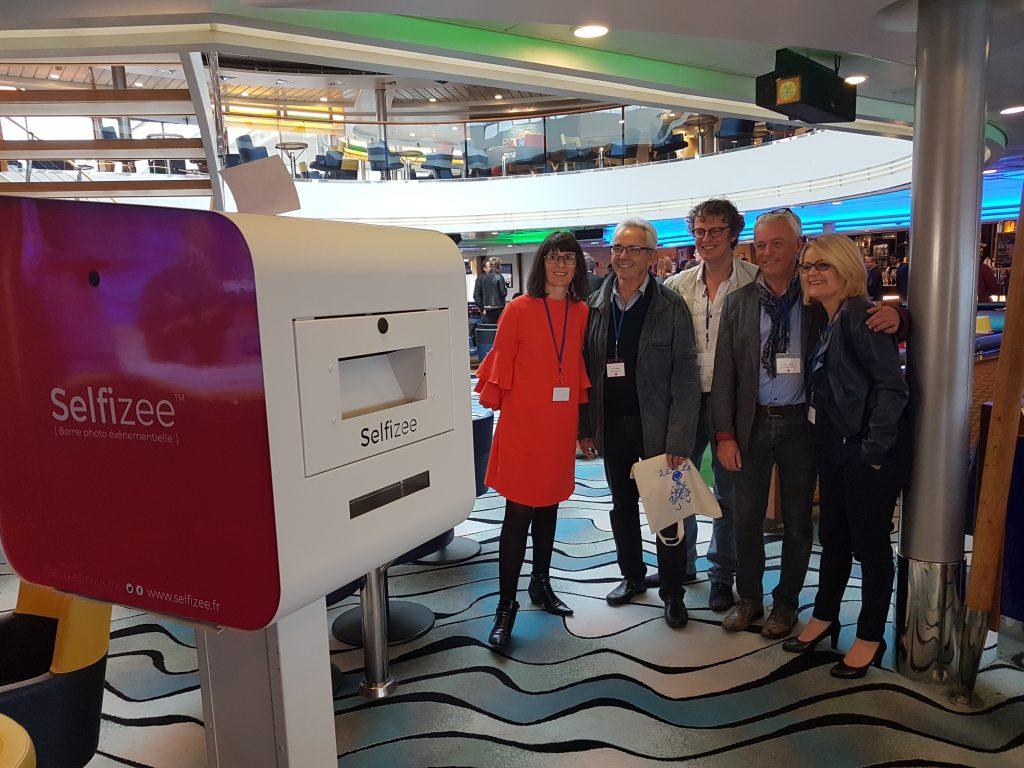 Animation photobooth pour les 25 ans d'Initiative Pays de Morlaix à Roscoff sur la Brittany Ferries avec la borne selfie Selfizee