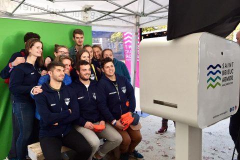 L'agglo fête ses étudiants avec un photobooth à Saint-Brieuc