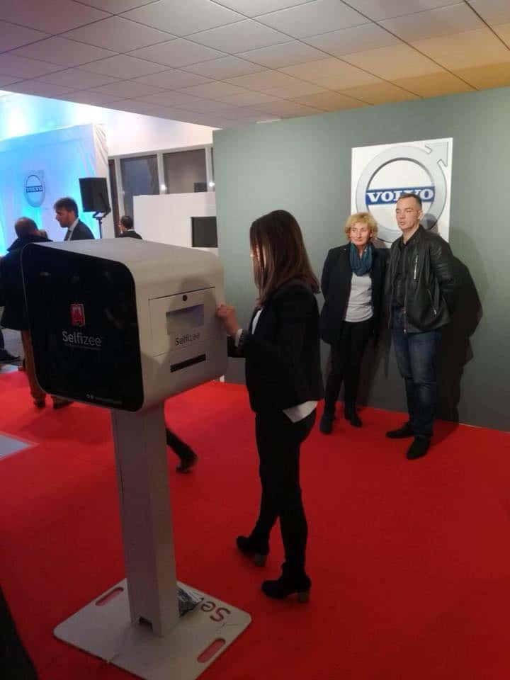 Animation photobooth pour l'inauguration de la concession Volvo à Saint-Brieuc, Bretagne