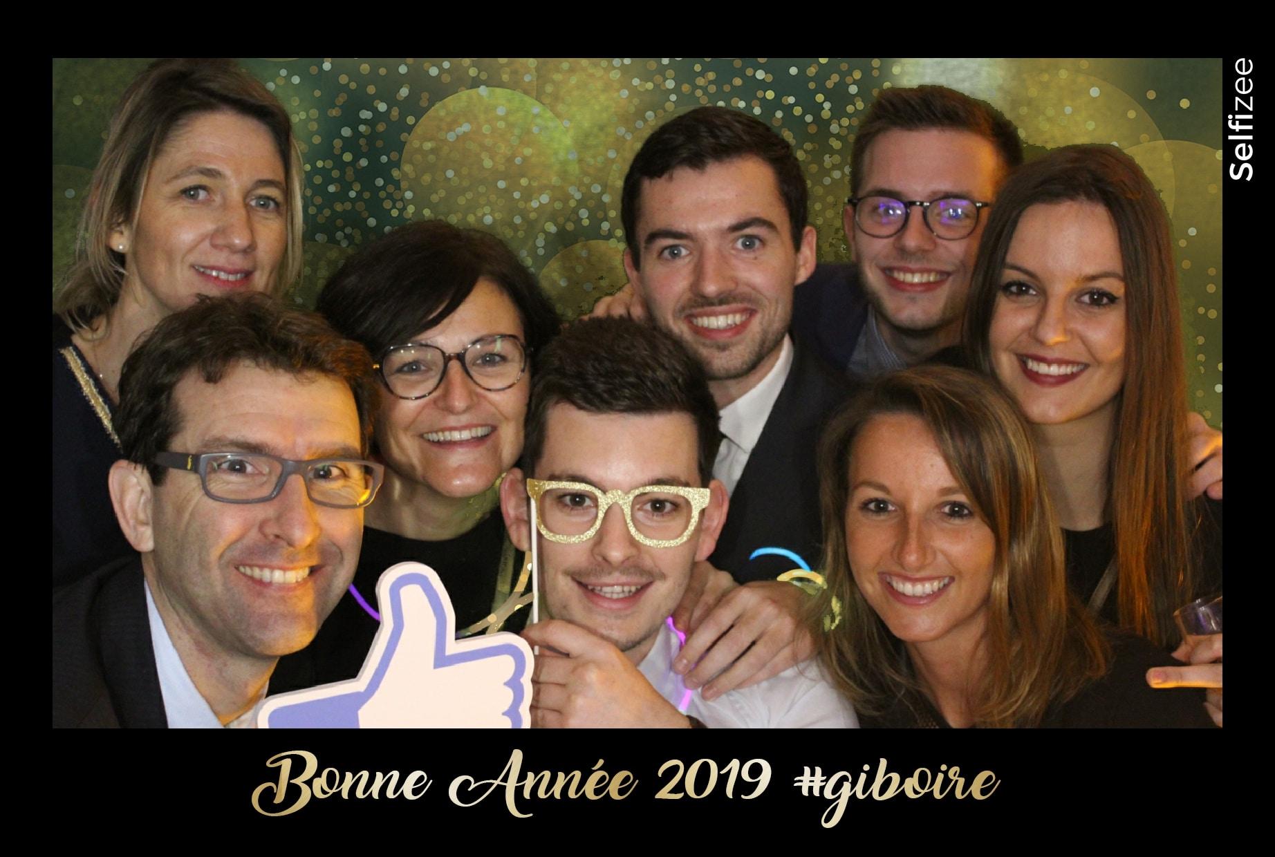 Soirée d'entreprise pour Nouvel An à Giboire Rennes avec borne photo et animation fond vert