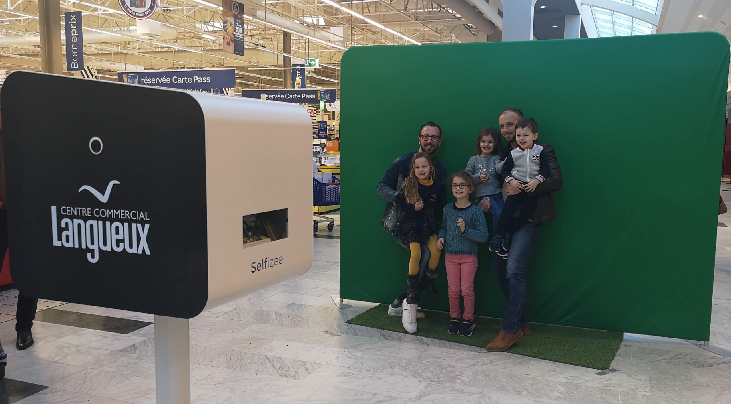 Borne photo et animation selfie fond vert 2019 au Carrefour Langueux à côté de Saint Brieuc