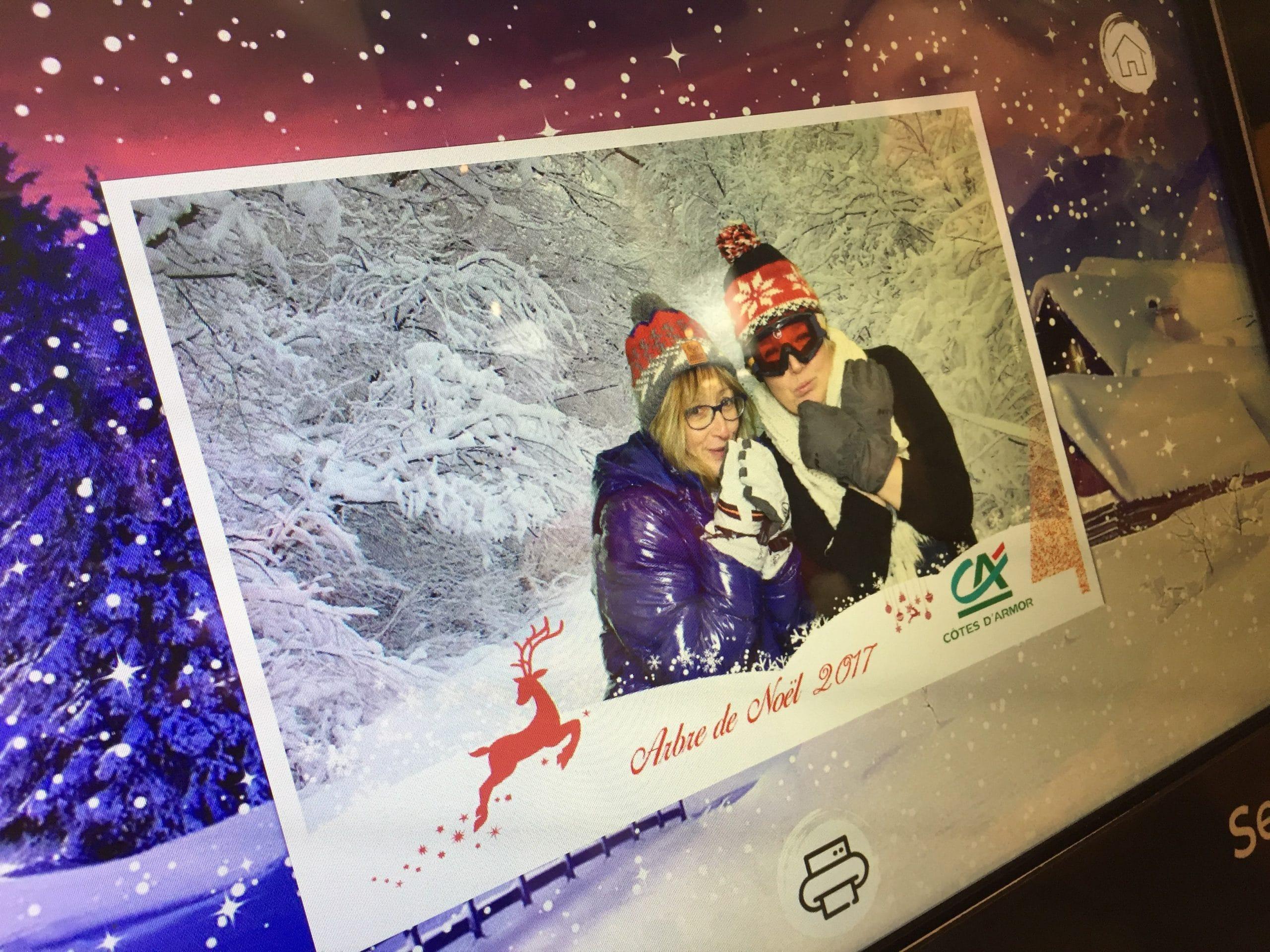 Soirée d'entreprise arbre de Noël au Crédit Agricole Ploufragan en Côtes d'Armor avec borne photo et fond vert