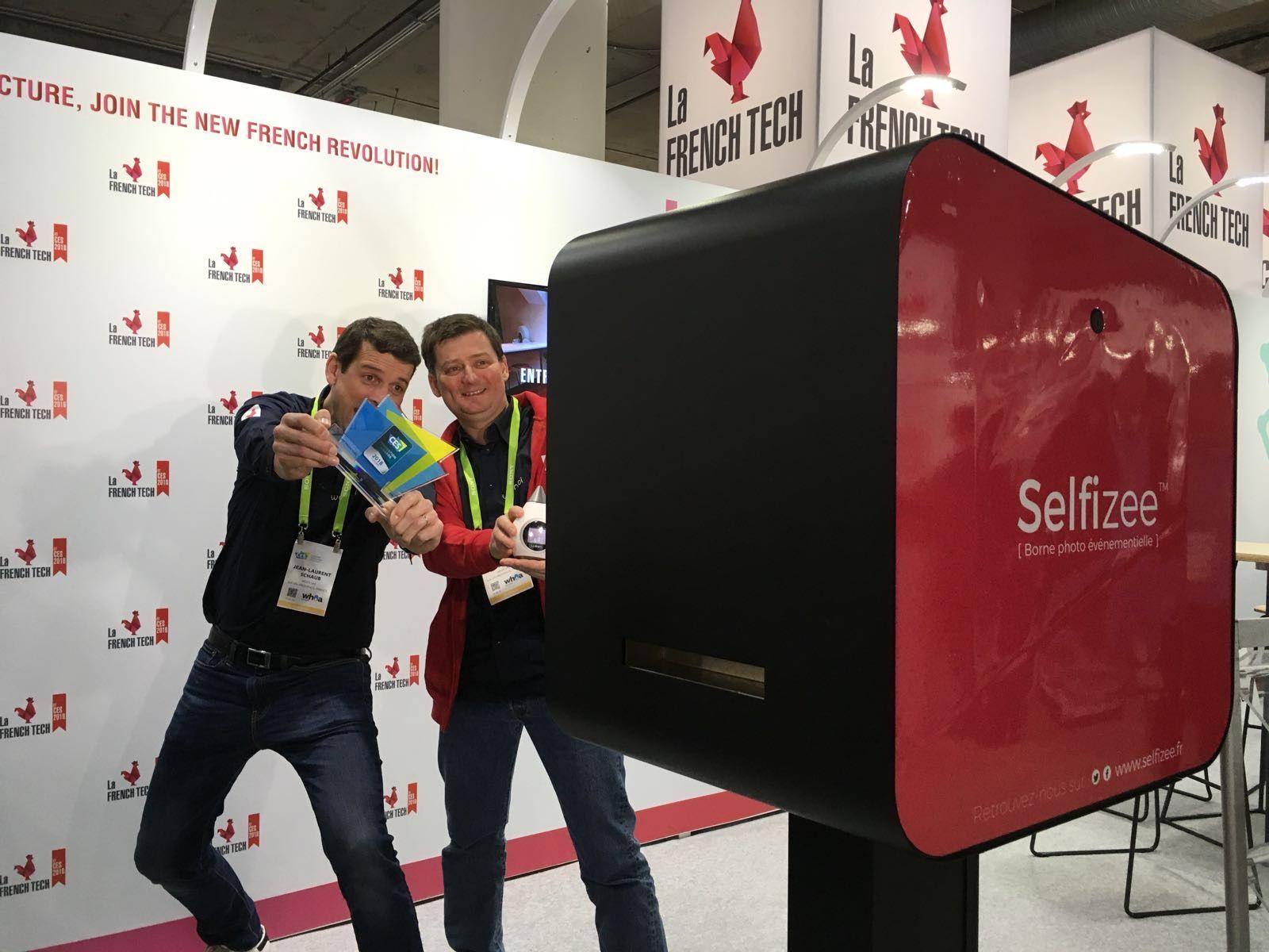 Animation borne photo au stand de La French Tech au CES 2018 de Las Vegas - selfies personnalisés au salon de l'innovation technologique