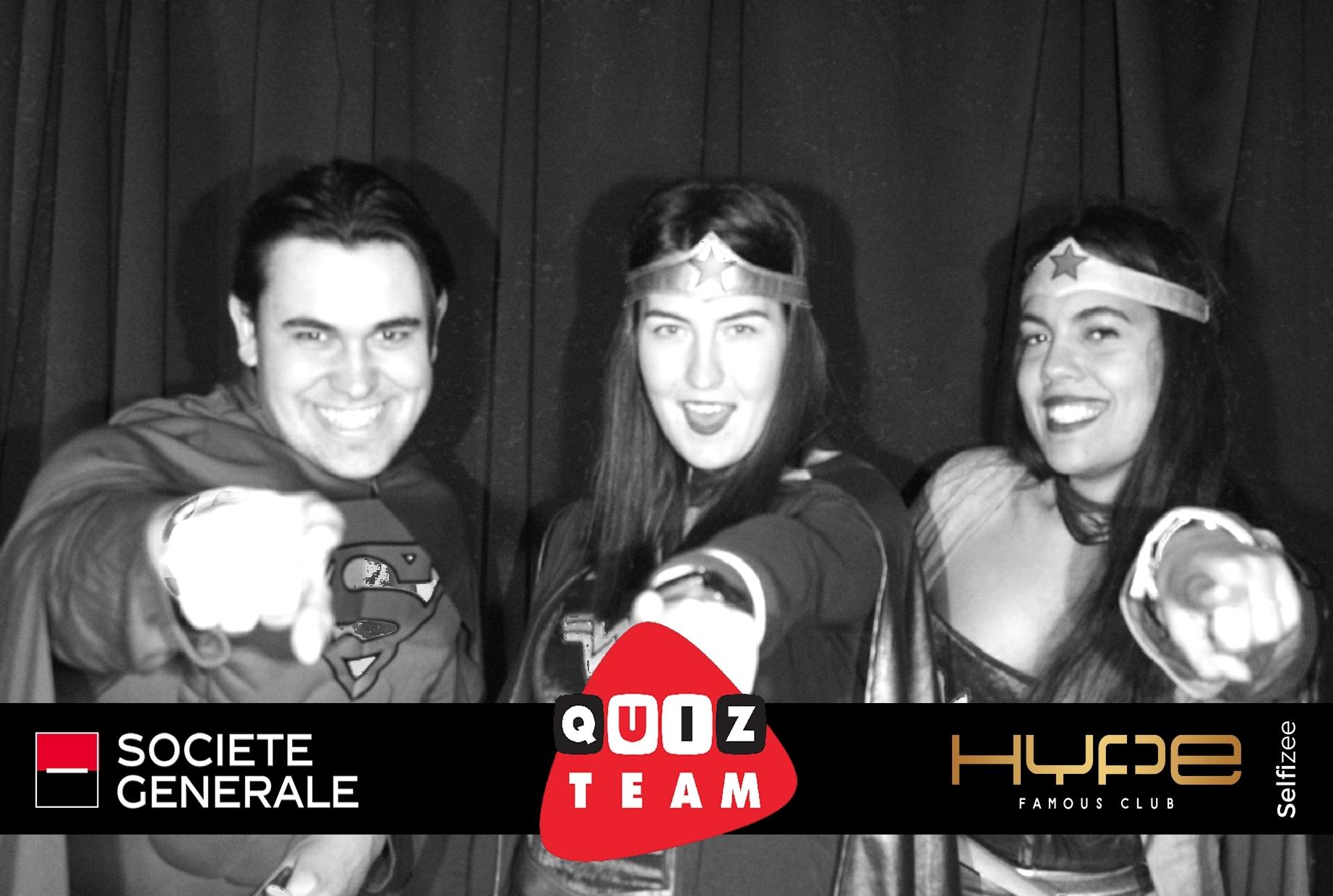 Animation selfie box pour photo personnalisée jeu quiz time Société Générale à la discothèque Hype Famous Club Guipavas près de Brest dans le Finistère