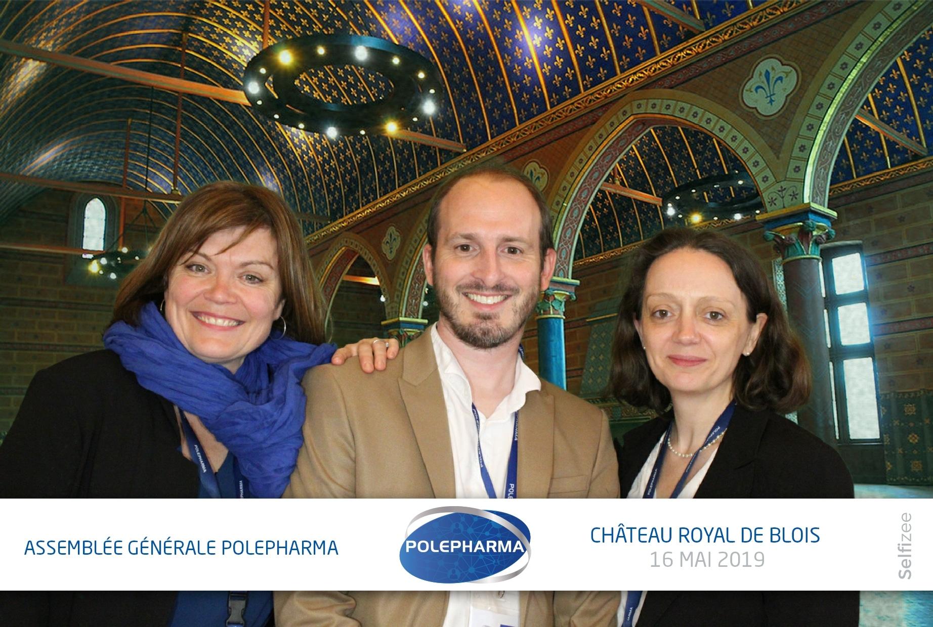 Borne selfie et animation photobooth fond vert à l'assemblée générale Polepharma au château royal de Blois entre Orléans et Tours