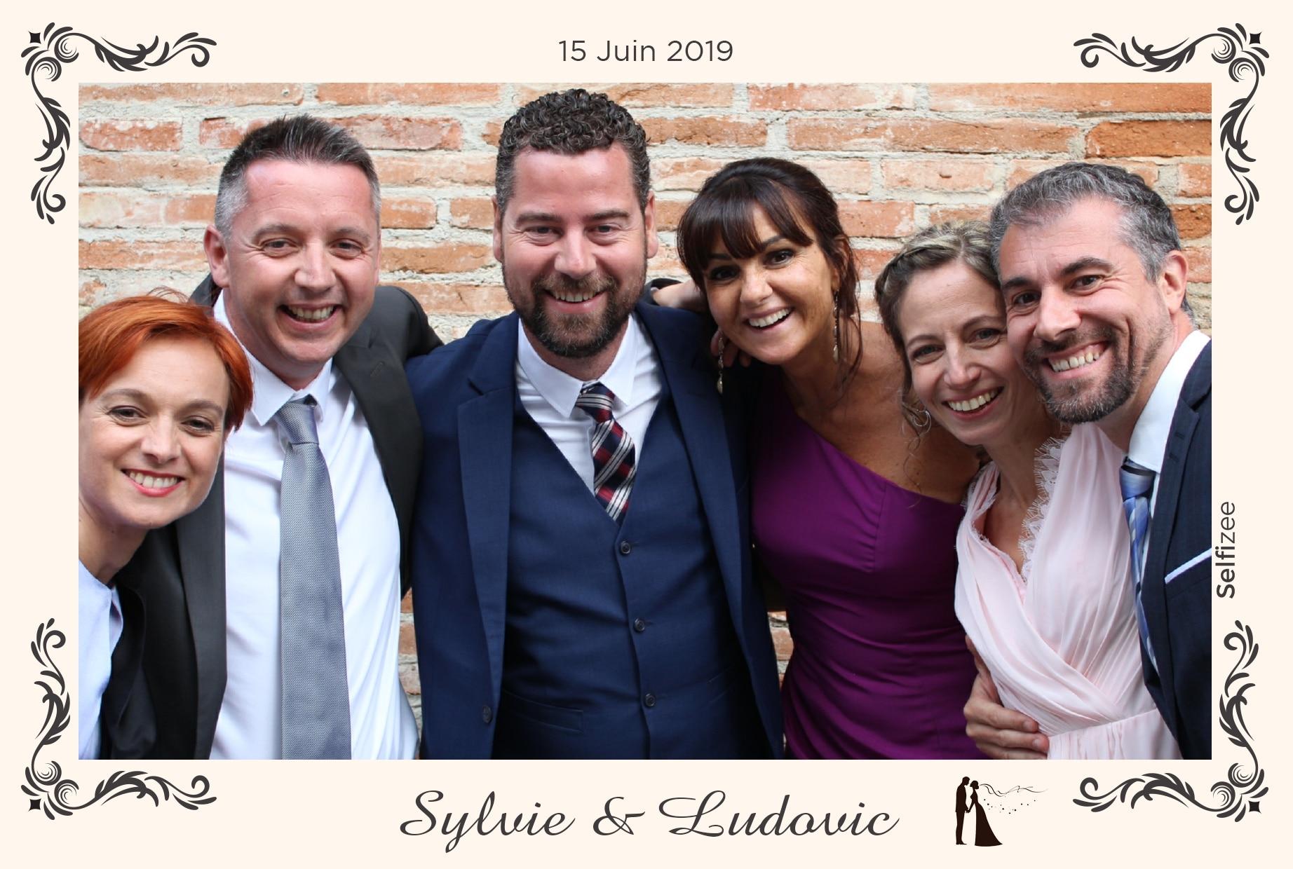 Selfie personnalisé et animation box photo mariage Toulouse - location photobooth fête, anniversaire, mariage, soirée, baptême à Toulouse et en Haute Garonne