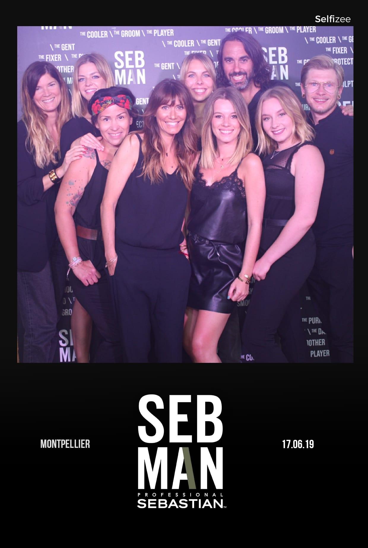 Selfie personnalisé SEBMAN animation photobooth et photocall pour promotion produits de la marque dans un restaurant bar club Montpellier avec impressions photos