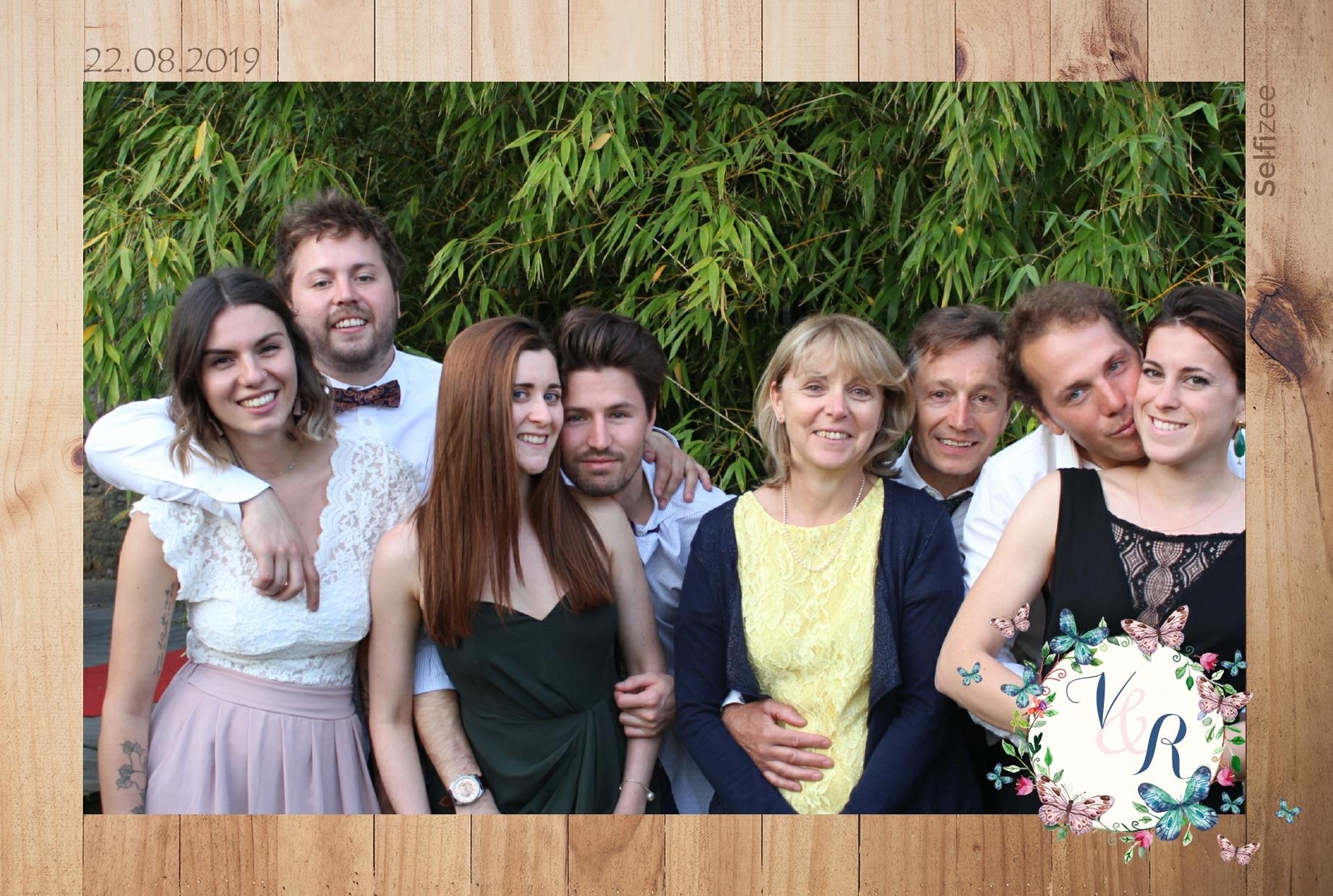 Animation selfie mariage avec impressions photos à Saint Nazaire - location borne photo connectée pour mariage ou fête à Saint Nazaire et Nantes