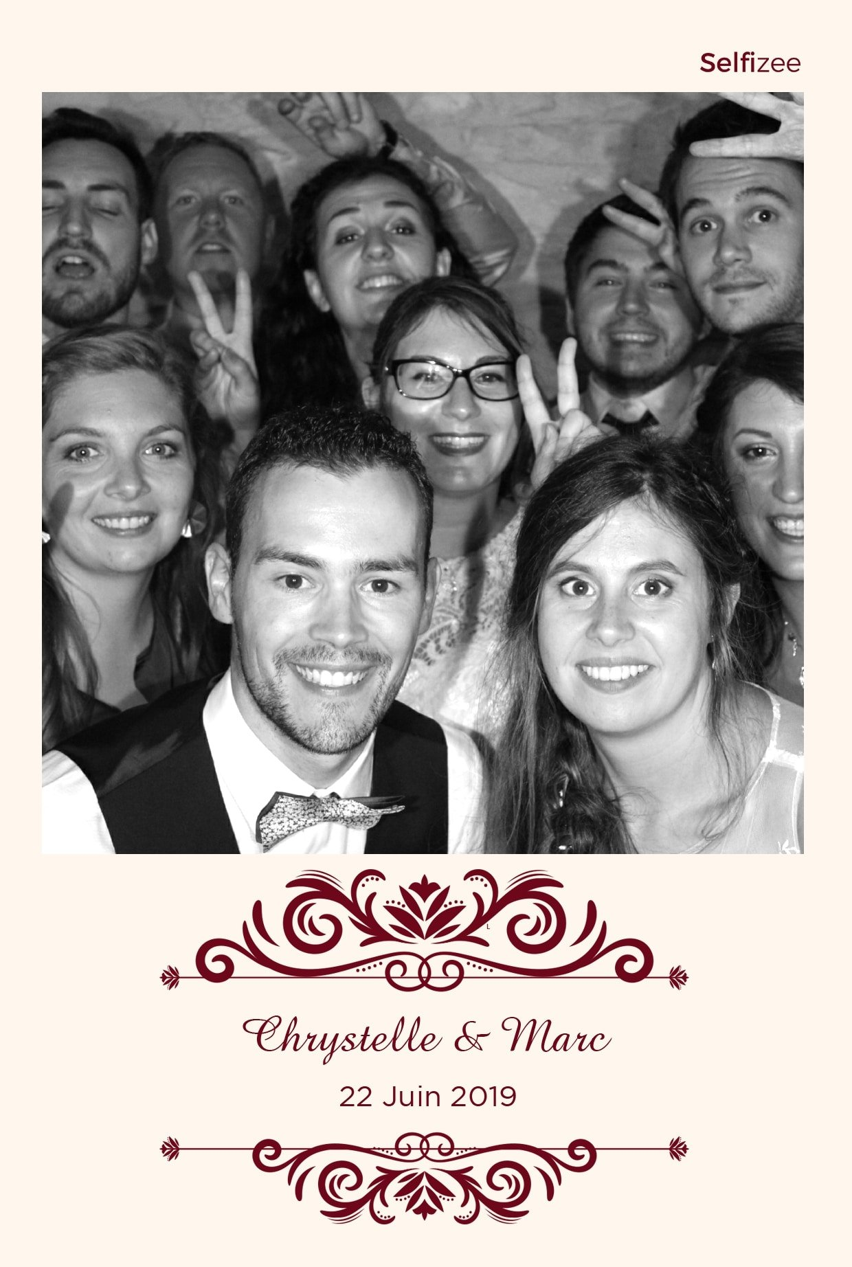 Photo personnalisée mariage et animation selfie box à Perpignan - location photobooth connecté avec imprimante à Perpignan et en Pyrénées Orientales pour fête mariage, anniversaire, baptême, soirée