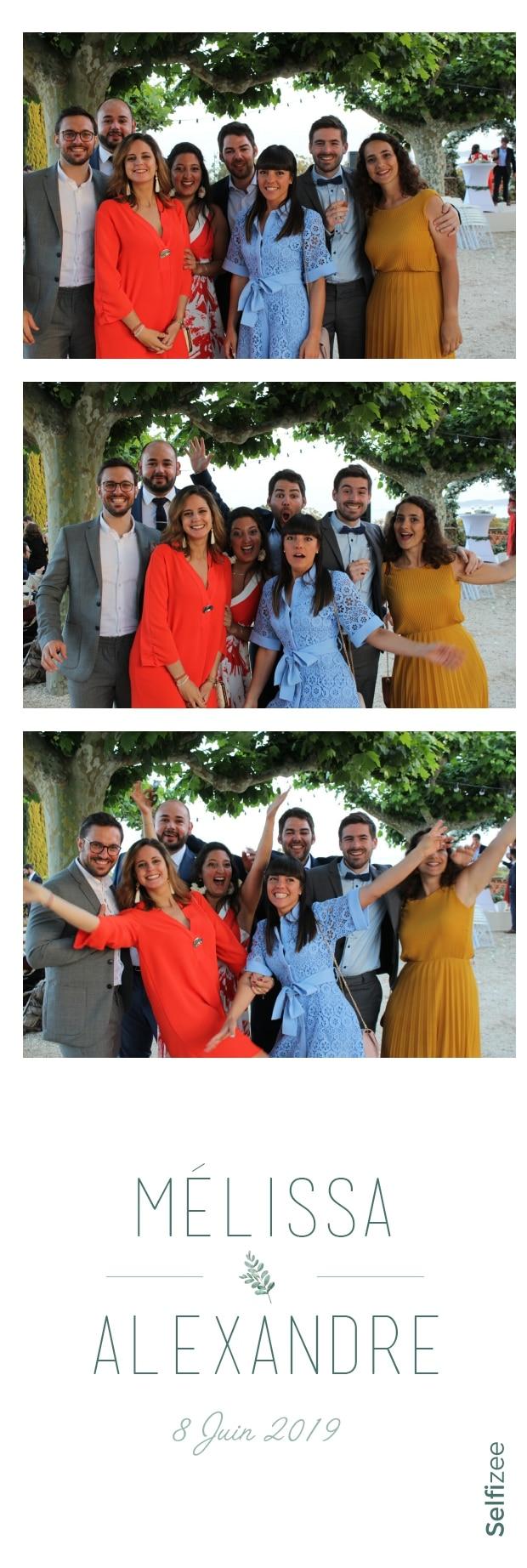 Album photo mariage avec photobooth connecté et impressions selfies - borne selfie à louer Toulon / Var pour animation fête mariage