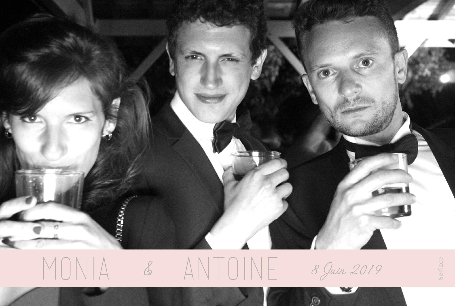 Photo personnalisée mariage Bordeaux - location borne selfie connectée pour animation mariage, fête, anniversaire, soirée à Bordeaux et en Gironde