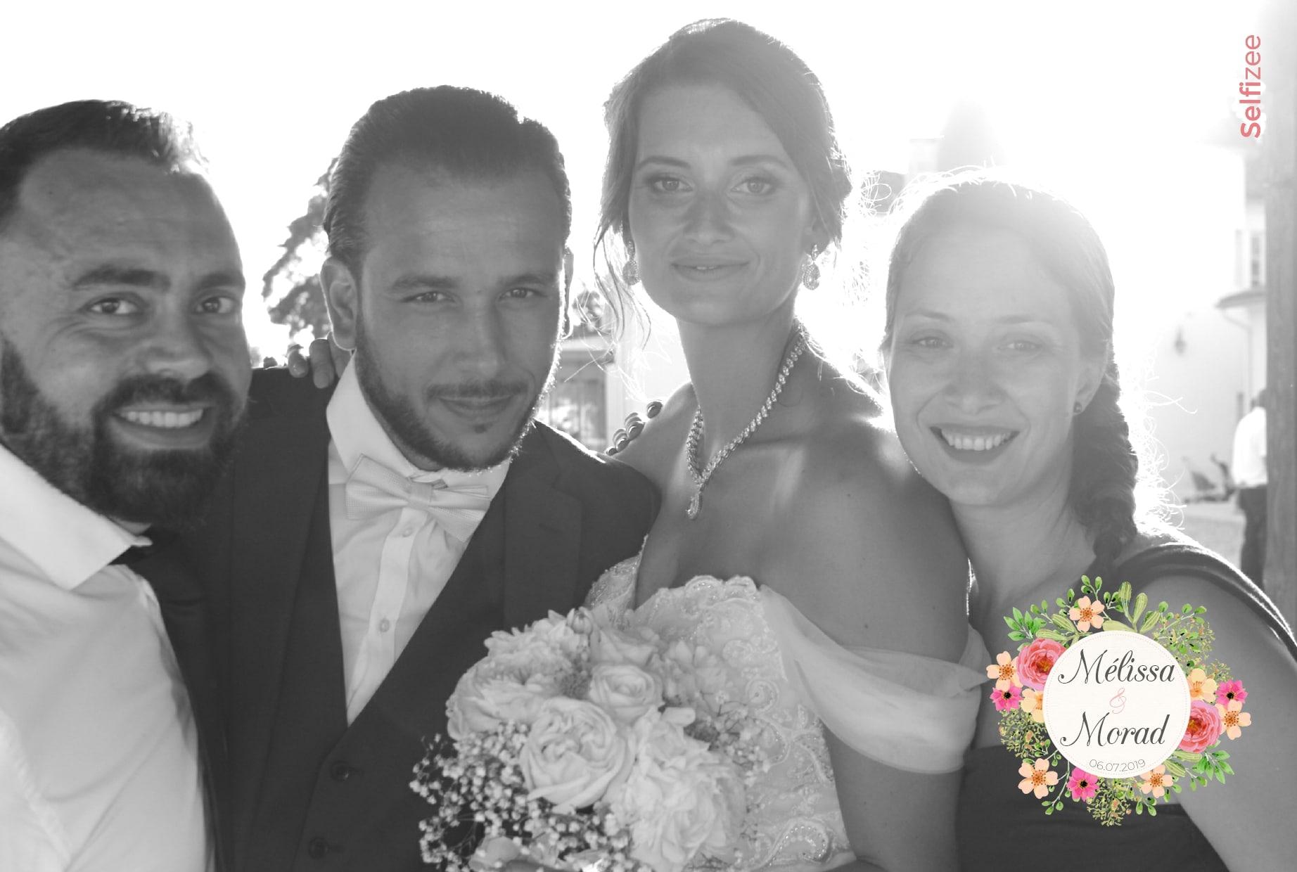 Selfie mariage avec filtre - animation borne photo avec tirages photos à Bordeaux et en Gironde pour mariage ou fête