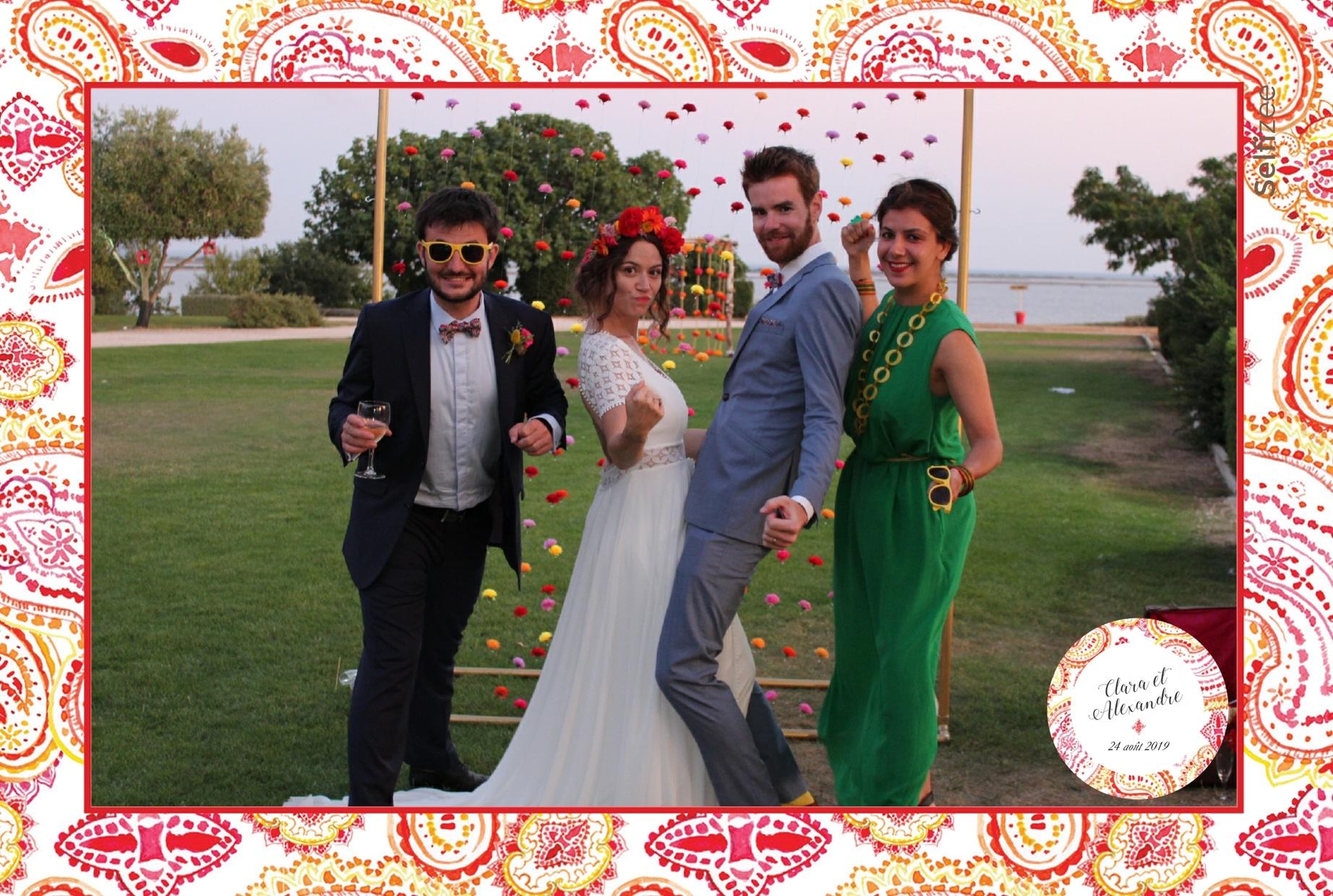 Selfies et animation photo box mariage à Montpellier - location borne photo avec imprimante pour fête dans l'Hérault