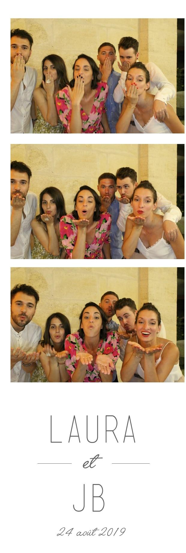 Animation selfie box mariage Bergerac - photobooth avec impressions photos à louer à Bergerac et en Dordogne pour fête mariage, anniversaire, soirée, baptême