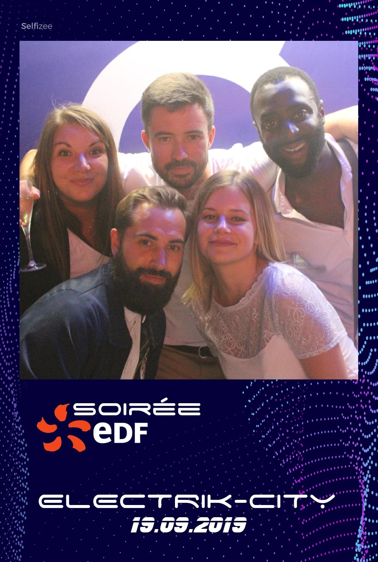 Borne selfie connectée avec imprimante pour animation photo soirée EDF Caen