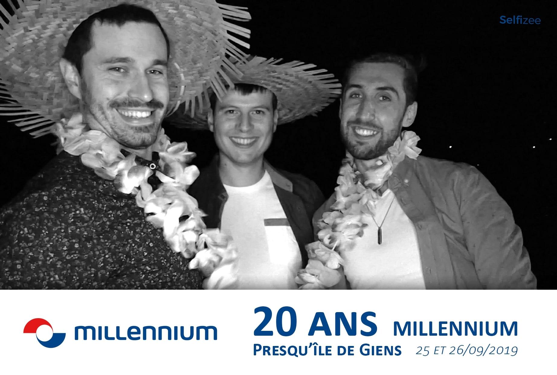 Animation selfie box connectée avec impressions photos à fête anniversaire de l'entreprise Millennium sur presqu'île de Giens près de Hyères et Toulon