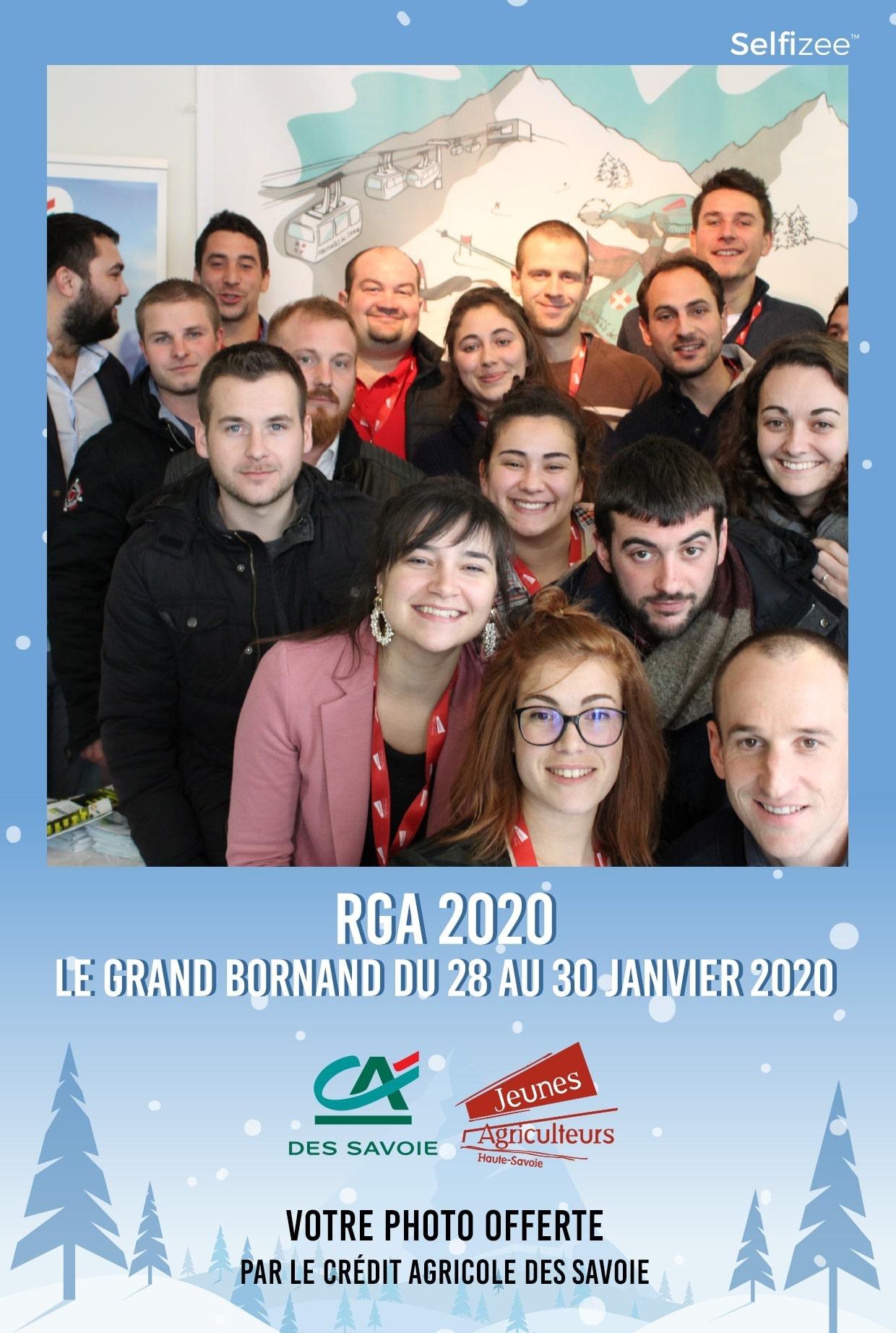 Animation selfie box au stand Crédit Agricole à la session RGA 2020 au Grand-Bornand près d'Annecy - borne photo connectée avec imprimante