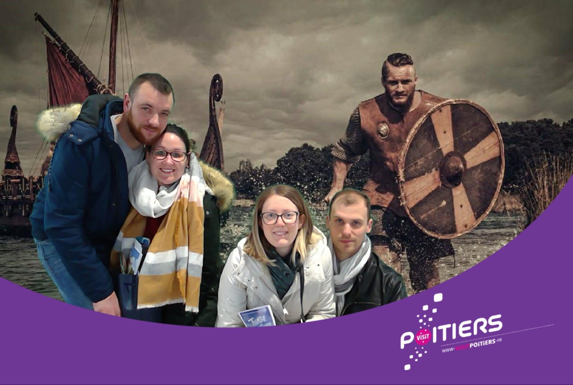 Selfie personnalisé vikings avec borne photo et animation fond vert au salon Proxi'Loisirs 2020 dédié au tourisme et loisirs au Parc des expositions de Poitiers
