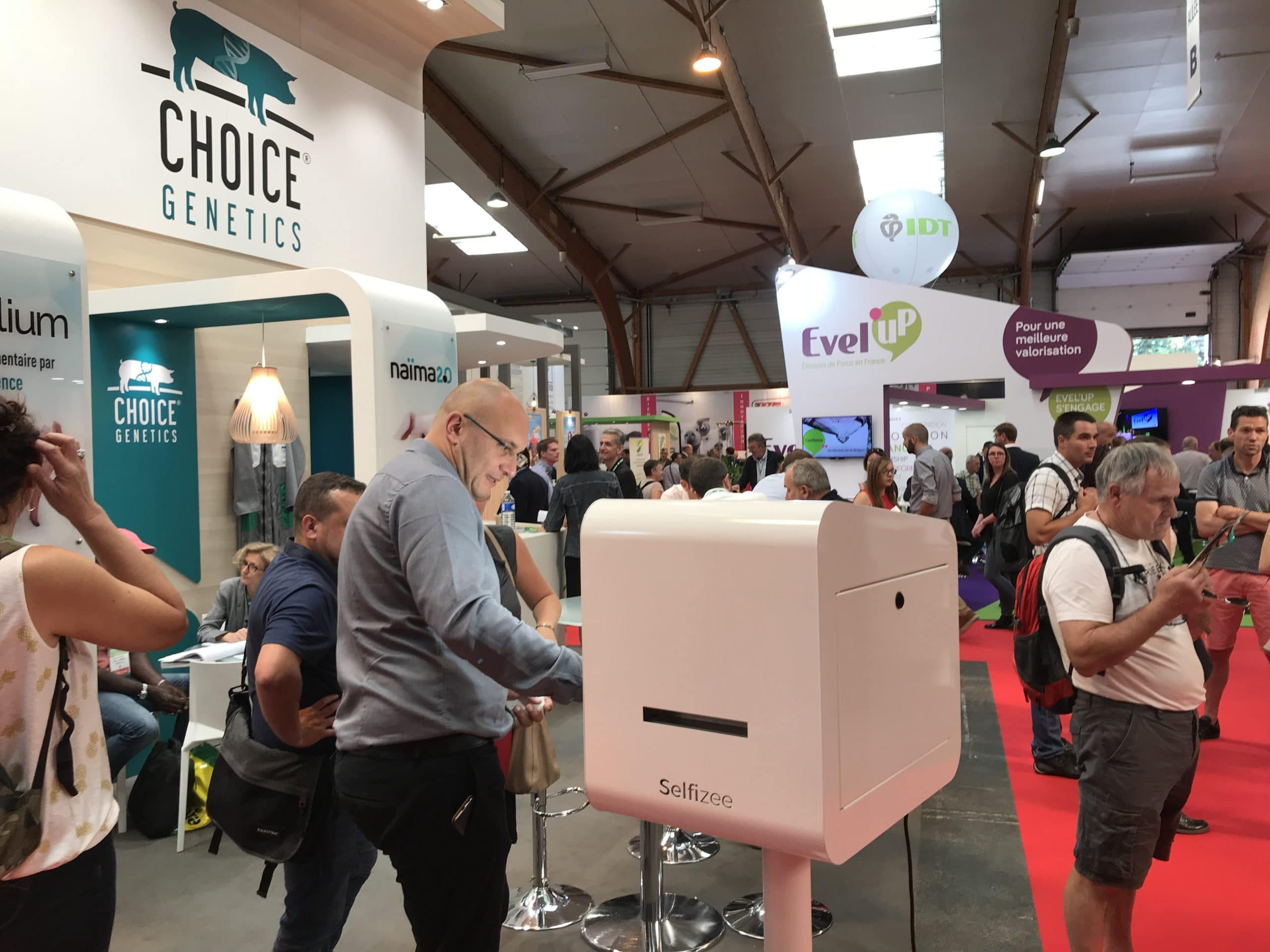 Salon SPACE 2018 borne photo au stand de l'entreprise Choice Genetics pour une animation selfie