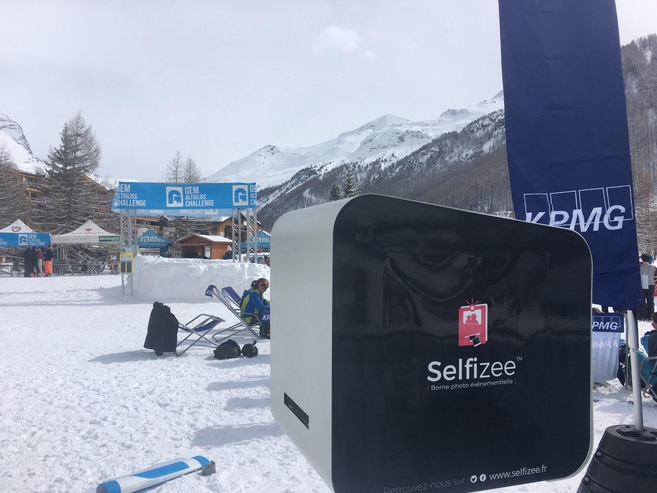 Animation photobooth connecté et photos personnalisées à la 19ème édition de la coupe du monde étudiante de ski et snowboard GEM Altigliss Challenge au Val d'Isère