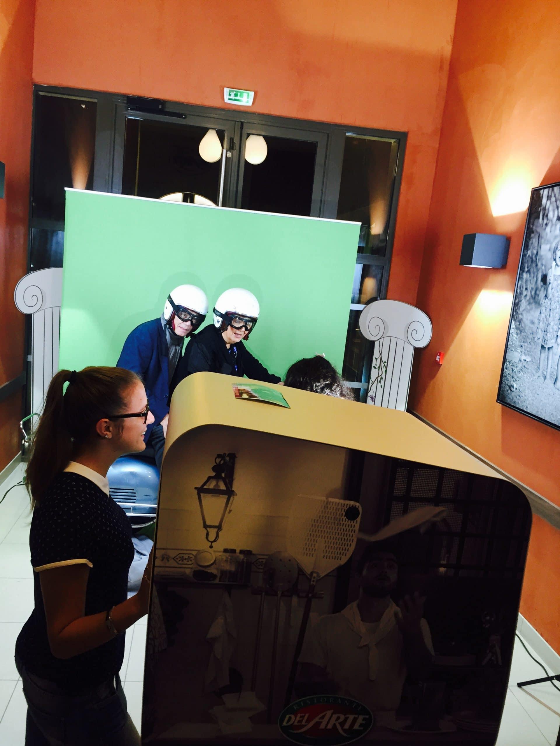 Photobooth connecté et animation fond vert au Del Arte Dardilly Lyon pour l'inauguration du restaurant en 2016