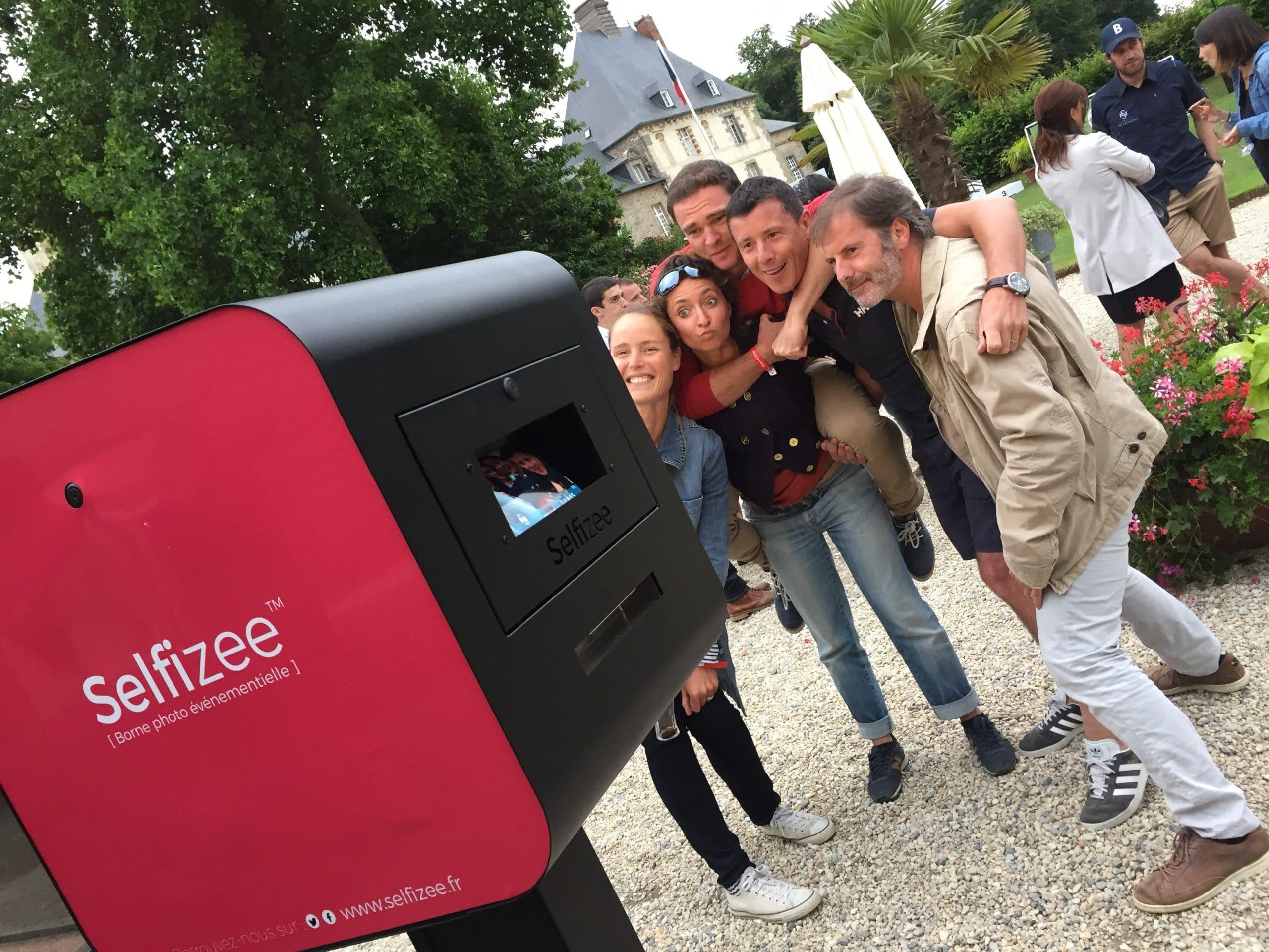 Animation selfie box pour tirages photos du défi entreprises Sports & Nature 2017 au domaine des Ormes près de Saint Malo et Rennes