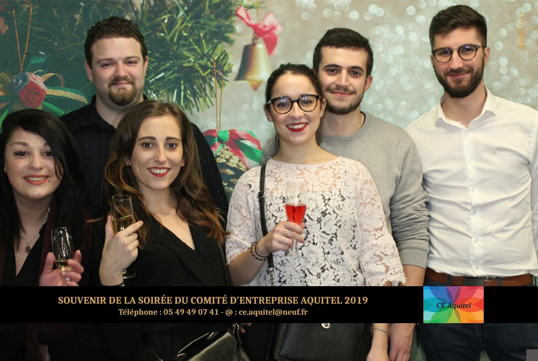 Animation photobooth et fond vert à fête fin d'année de l'entreprise Aquitel près de Poitiers pour selfies soirée comité entreprise