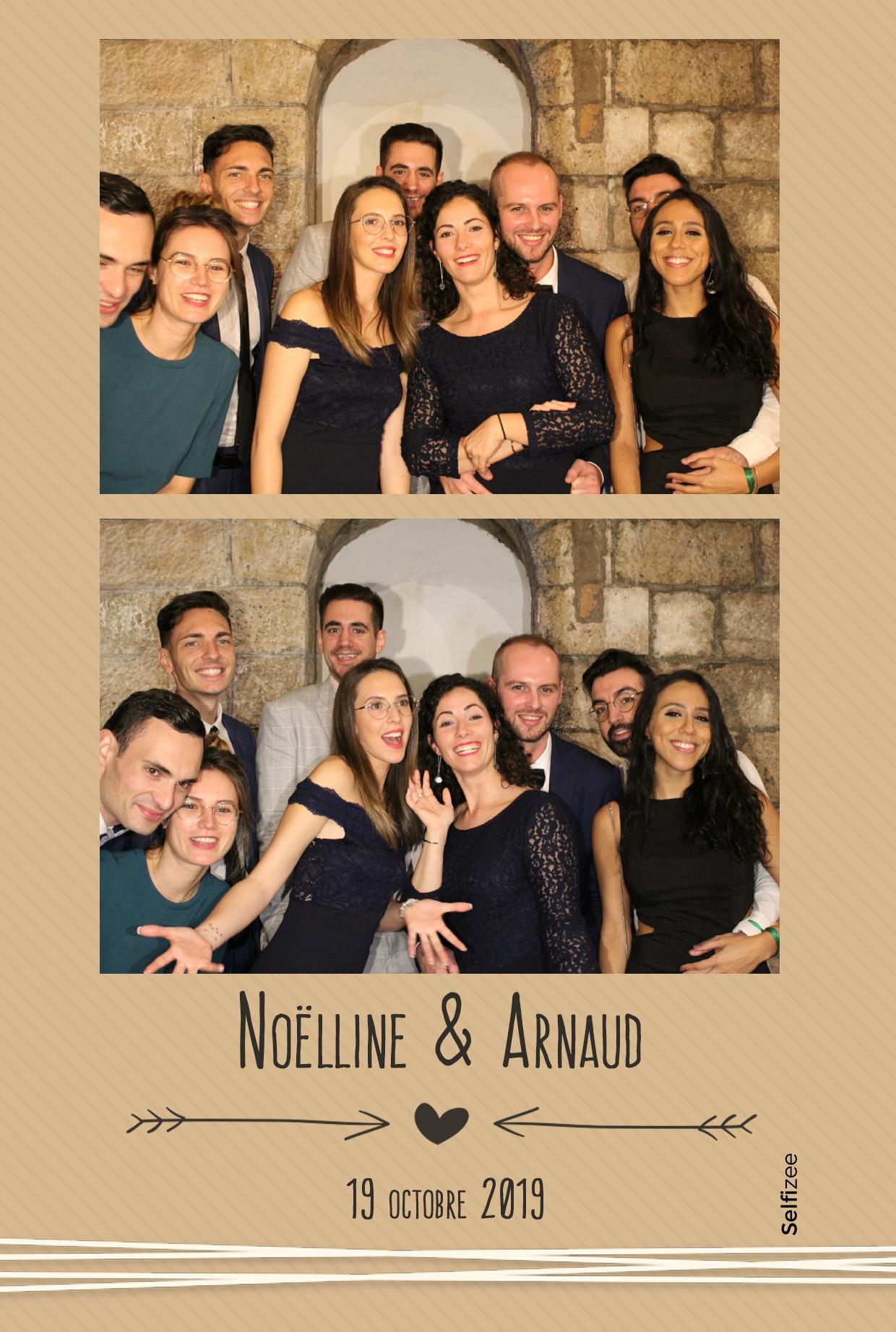 Animation photobooth mariage Paris avec impressions photos personnalisées - borne selfie à louer Paris mariage, fête, anniversaire, baptême