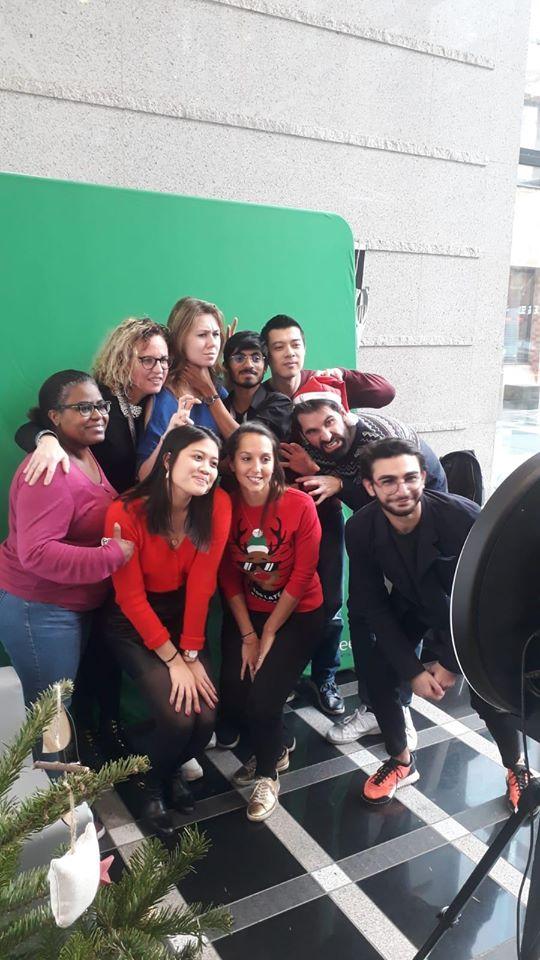 Borne photo Spherik et fond vert animation selfie Noël au siège social SCC France à Nanterre en 2019