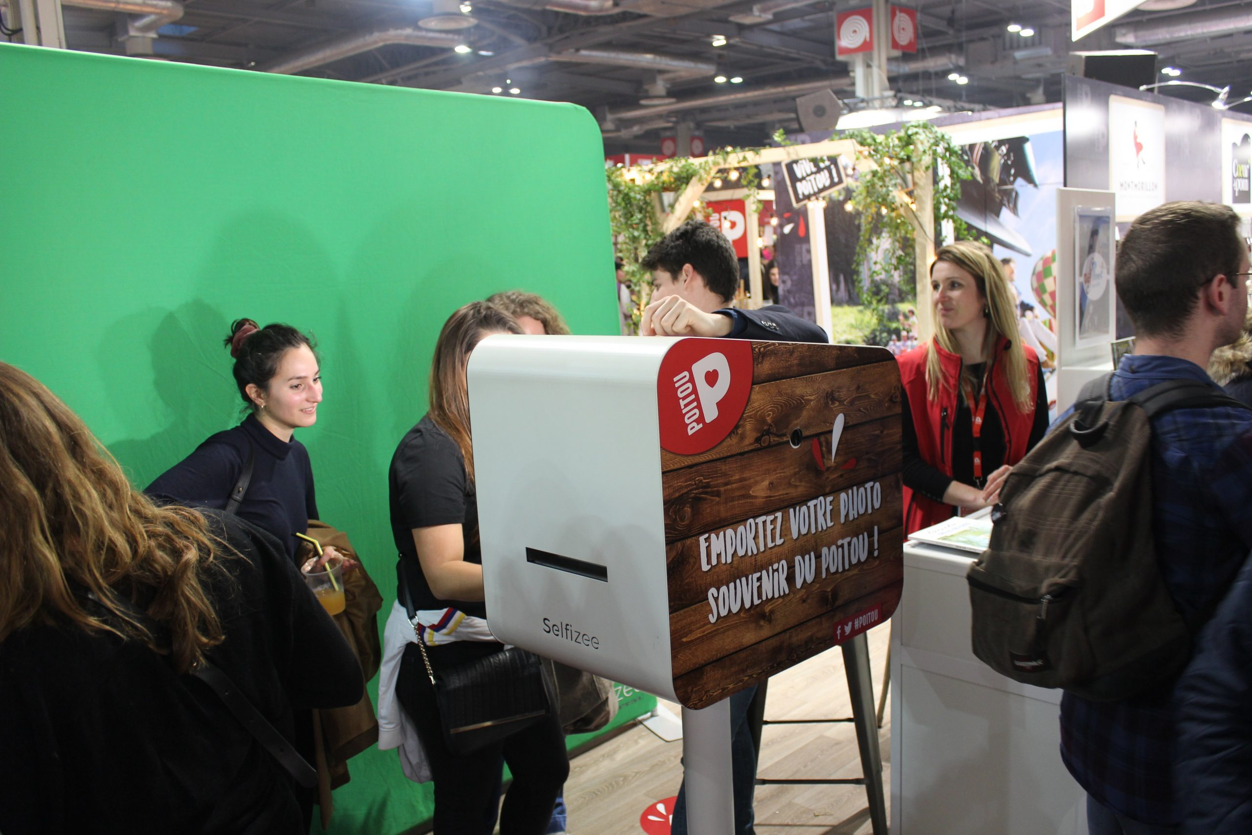 Animation borne photo et fond vert au stand du Poitou au salon de l'agriculture Paris 2020 pour photos personnalisées
