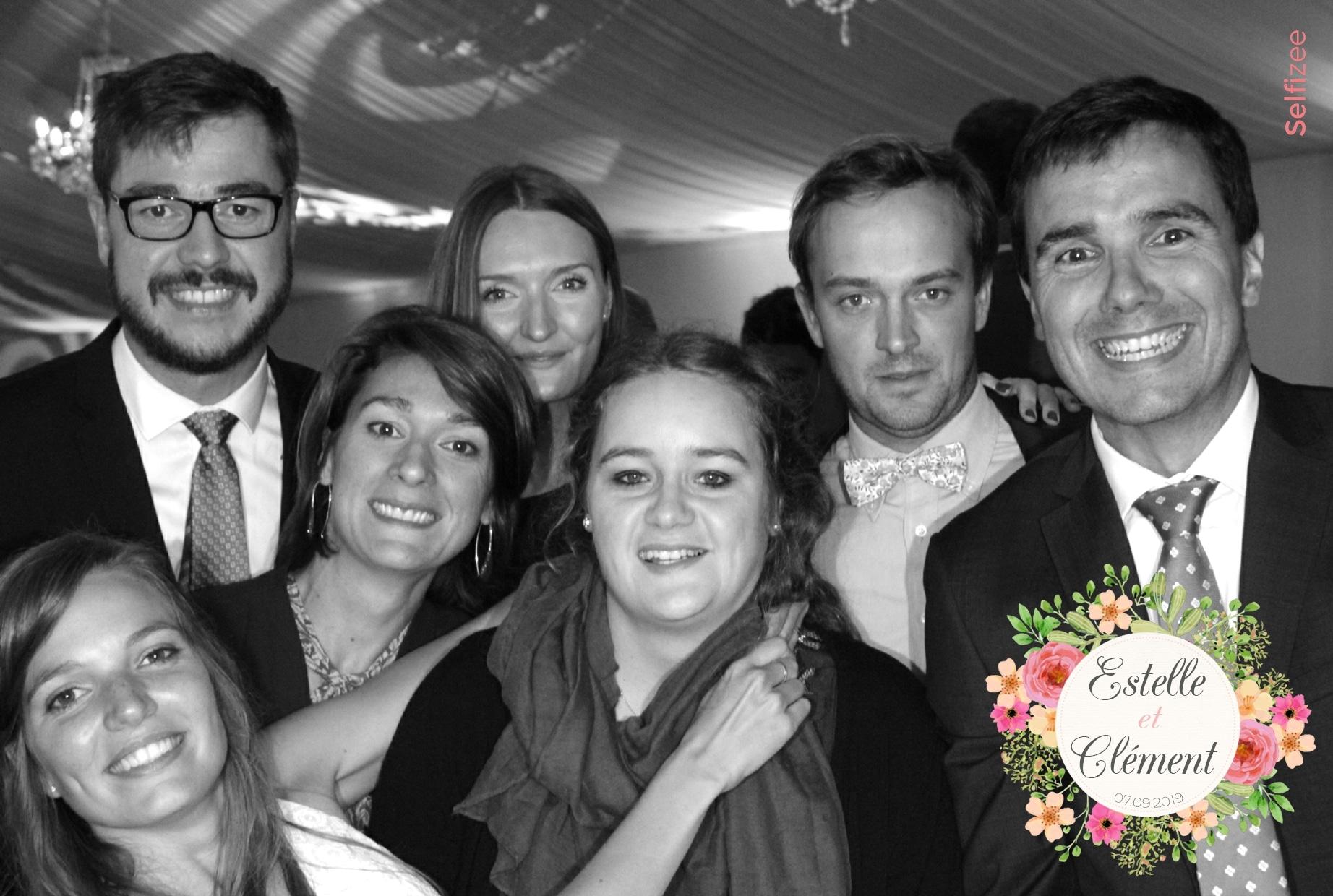 Animation photobooth mariage et impressions photos avec borne photo à louer à Evreux / Eure pour selfies mariage, anniversaire, soirée, fête