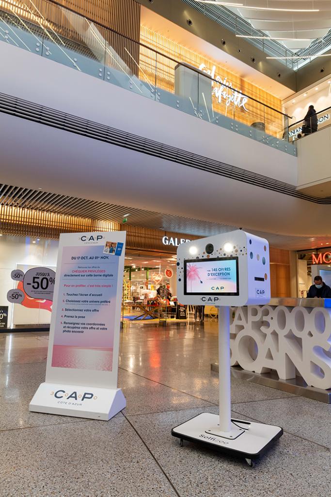 Centre commercial Cap 3000 pour l'opération couponing avec borne photo selfie Selfizee, à Nice - Provence Alpes Côtes d'Azur