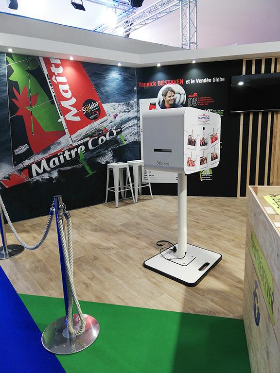 Borne photo selfie au stand Maître Coq pour le Vendée Globe 2020