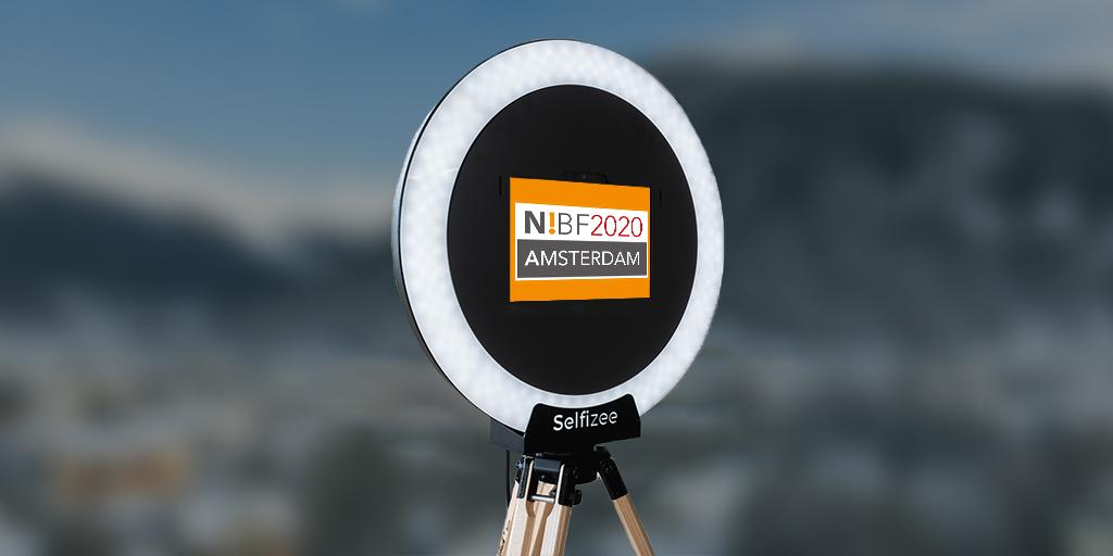 Borne photo selfie Selfizee pour une soirée organisée par Nexus Automotive à Amsterdam, Pays-Bas