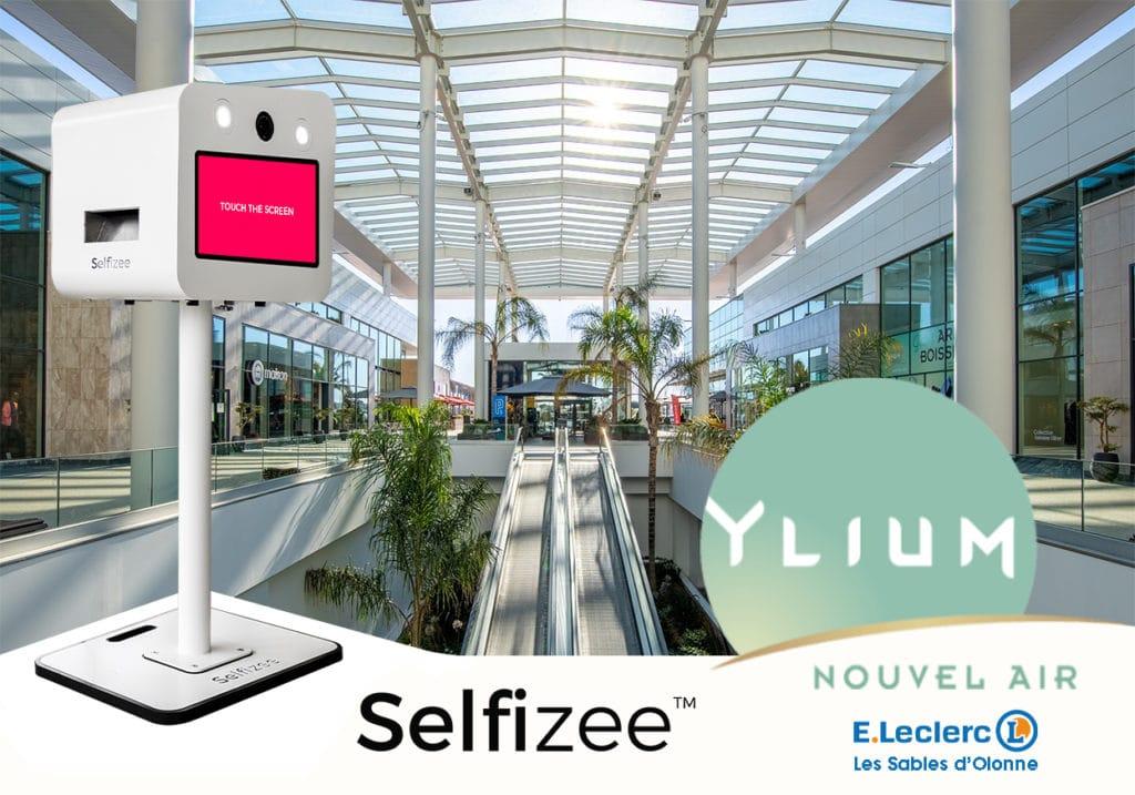 Achat d'une borne photo connectée Selfizee par le centre commercial Yluim situé aux Sables d'Olonne, Pays de la Loire